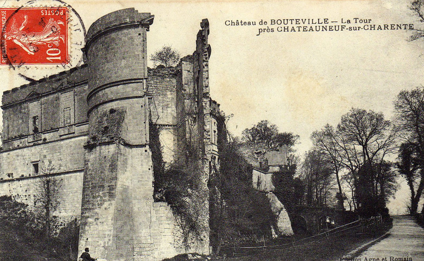 The Bouteville castle, at the beginning of the 20th century